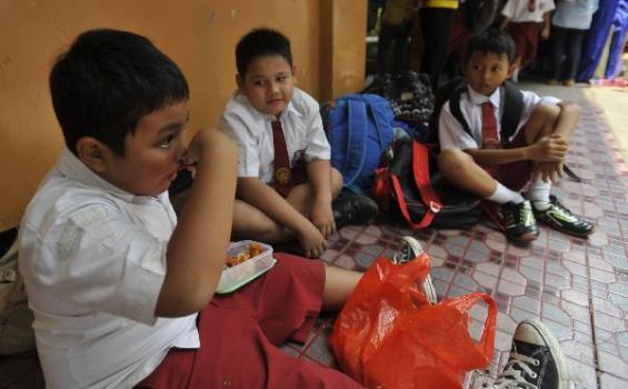 Beri Uang Jajan ke Sekolah Bahayakan Kesehatan Anak