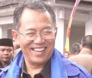 Wali Kota Bandung: Lihat Ulat Bulu, Bunuh!