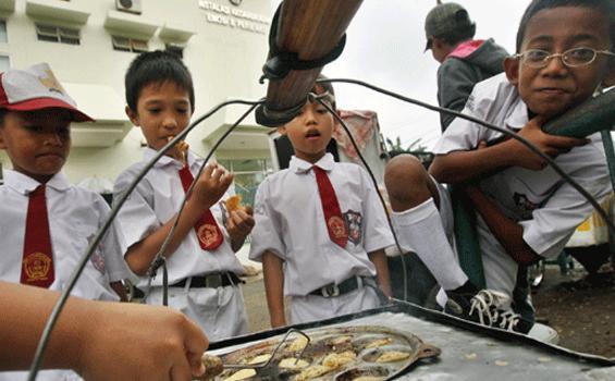 44 Persen Jajanan Anak Sekolah Belum Penuhi Syarat Sehat