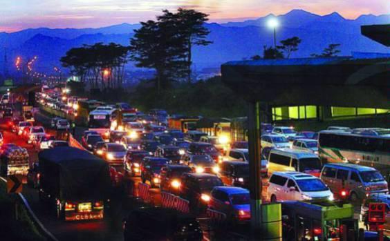 Kemacetan menuju Puncak Bogor