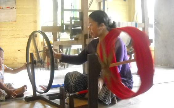 Kampung Tenun Samarinda Bakal Jadi Daerah Tujuan Wisata