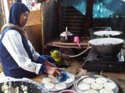 Renyahnya Kicimpring Sunda Dari Kampung Babakan
