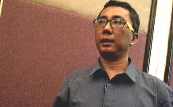 Ketua Panwaslu DKI Dipecat karena Foto Bareng Timses Foke