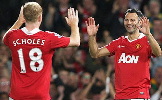 Ryan Giggs dan Paul Scholes pemain senior di Manchester United