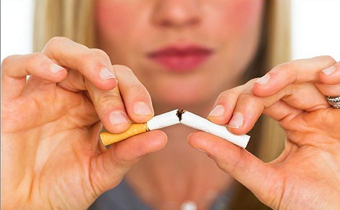 Berhenti Merokok Bisa Juga Membantu Mencegah Seseorang Terpapar Covid-19