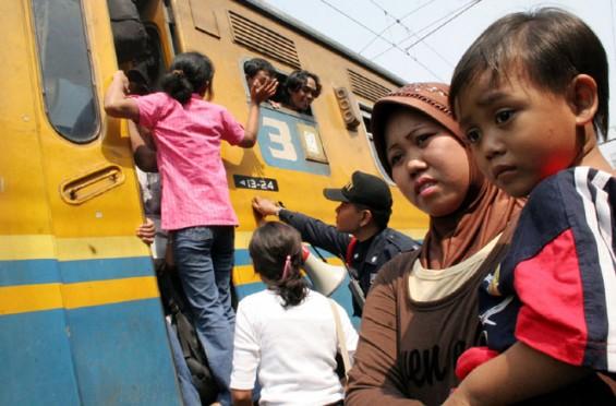 Arus Balik Meningkat di Stasiun Jatinegara