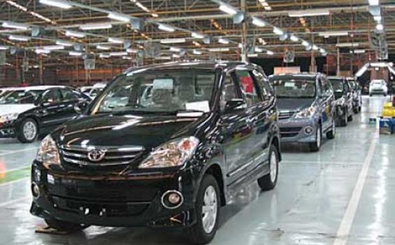 Segini Estimasi Biaya Turun Mesin Toyota Avanza 2012