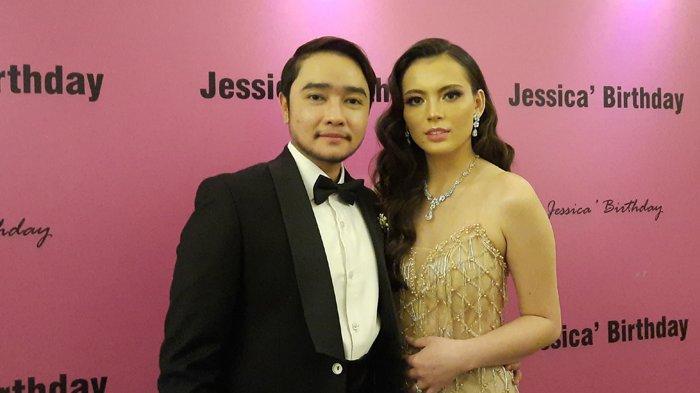 Abash dan Jeje saat ditemui saat perayaan ulang tahun Jeje ke 23di The Tribrata Dharmawangsa, Jakarta Selatan, Senin (26/4/2021)