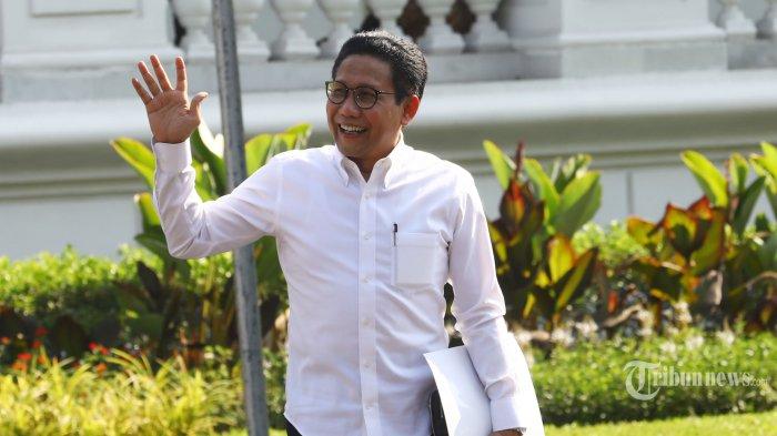 Politisi PKB Abdul Halim Iskandar meninggalkan Kompleks Istana Kepresidenan, Jakarta, Selasa (22/10/2019). Menurut rencana, presiden Joko Widodo akan memperkenalkan jajaran kabinet barunya kepada publik hari ini usai dilantik Minggu (20/10/2019) kemarin untuk masa jabatan periode 2019-2024 bersama Wakil Presiden Ma'ruf Amin. TRIBUNNEWS/IRWAN RISMAWAN