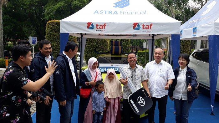 Sponsor Utama GIIAS 2018, Astra Financial Serahkan Hadiah Grand Prize ke Pemenang