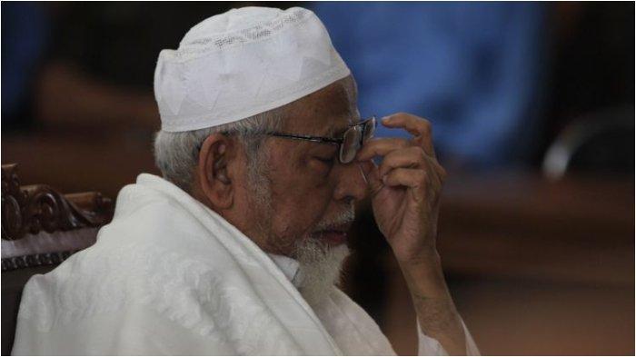 Abu Bakar Baasyir Akan Langsung Dibawa ke Solo Besok Dijemput Anak, Pengacara, dan Tim Dokter