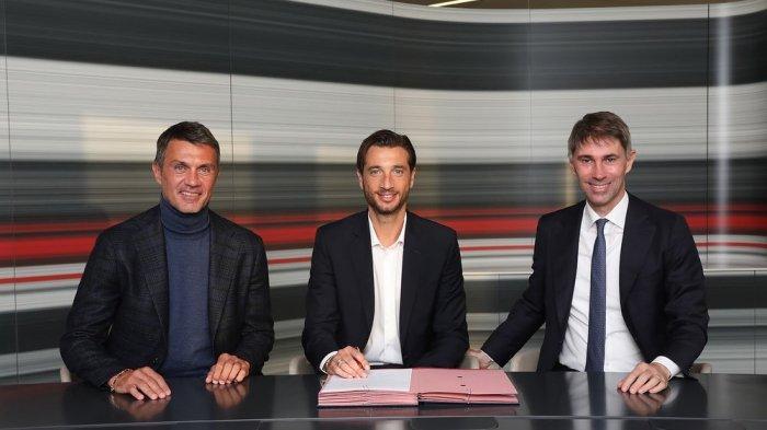 AC Milan memperkenalkan Antonio Mirante sebagai kiper anyarnya