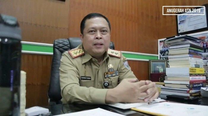 Memiliki 83 Gelar Akademik dan Non Akademik, Sekda OKU Achmad Tarmizi Raih Rekor MURI