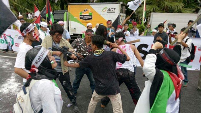 Aksi Teatrikal Gambarkan Kepedihan Rakyat Palestina