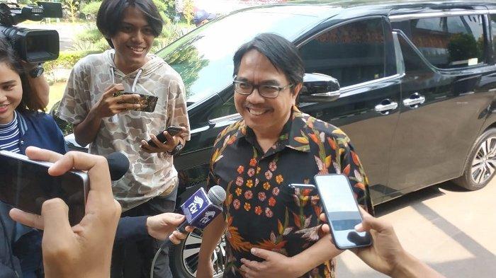 3 Jam Ade Armando Diperiksa dan Dicecar 16 Pertanyaan Terkait Meme Joker Anies Baswedan