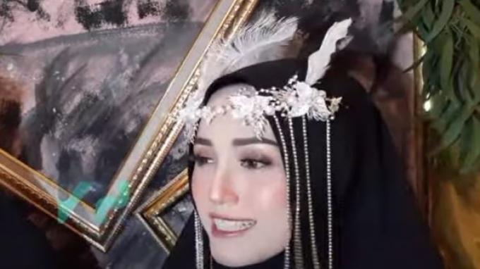 Adelia Pasha saat ditemui oleh awak media