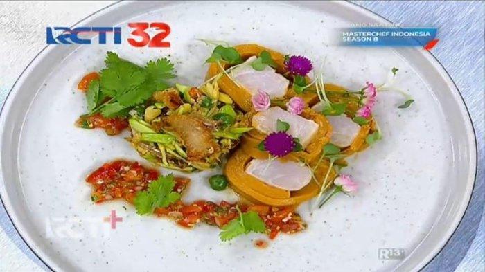Adi membuat Cured Cobia Fish with Gulai Jelly.