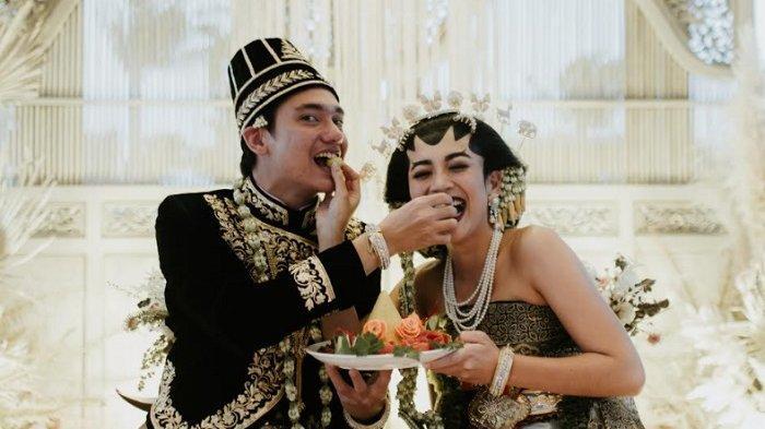 7 Fakta Pernikahan Adipati Dolken dan Canti Tachril, Sempat Masuk Angin Hingga Gagal Bulan Madu