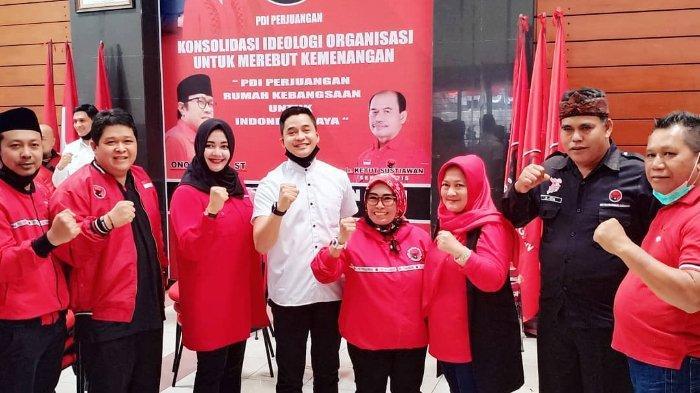 Adly Fairuz resmi diusung oleh Partai Demokrasi Indonesia Perjuangan (PDIP) di Pemilihan Kepala Daerah (Pilkada) Karawang 2020.