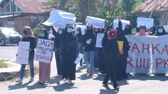 Aliansi Pergerakan Perempuan Tuntut Oknum Anggota DPRD Majene yang Lecehkan Perempuan Diproses