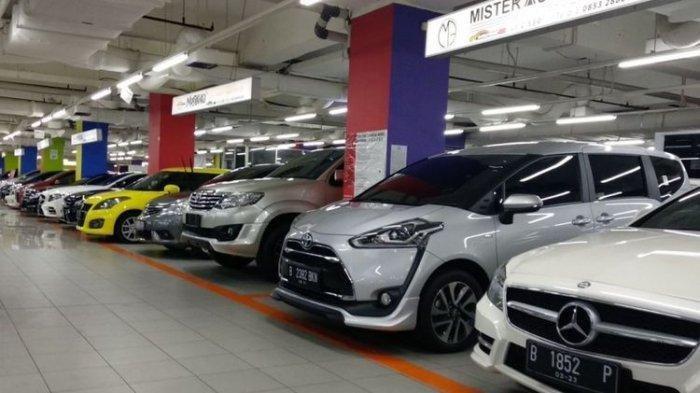 Suasana pusat penjualan mobil bekas di Jakarta Pusat.(Kompas.com/Setyo Adi)