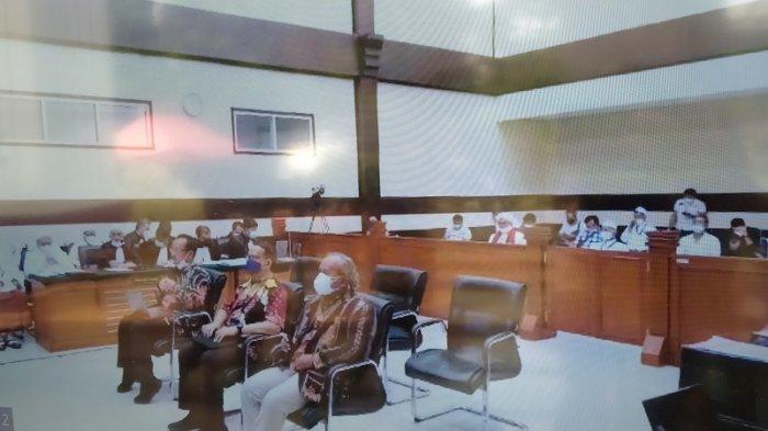 Ahli Bahasa dari Universitas Indonesia Frans Asisi Datang turut dihadirkan sebagai ahli oleh kubu Muhammad Rizieq Shihab (MRS) dalam sidang lanjutan perkara pelanggaran protokol kesehatan yang menimbulkan kerumunan, Senin (17/5/2021).