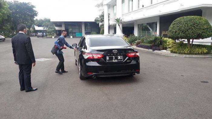Usai Pelantikan Ahmad Riza Naik Mobil B 3 DKI