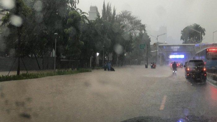 Update Kawasan Jakarta: Sejumlah Titik Masih Tergenang, Namun Bisa Dilintasi Kendaraan