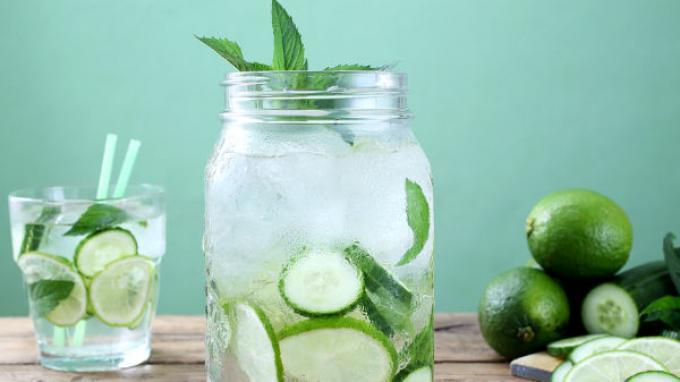 Manfaat Infused Water Mentimun untuk Kesehatan Tubuh, Lawan Kanker hingga Turunkan Tekanan Darah