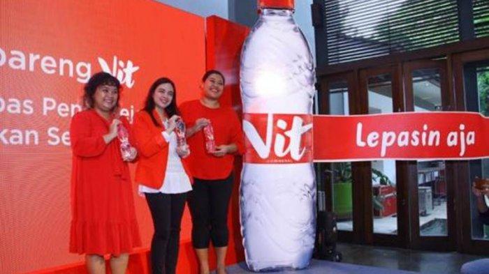 Dekati Anak Muda, Produsen Air Minum VIT Ganti Kemasan