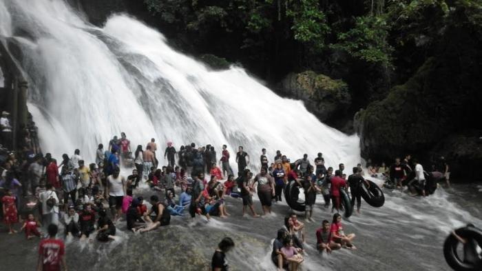 Air Terjung Bantimurung Jadi Primadona, Pengunjung Sampai 11.700 Orang