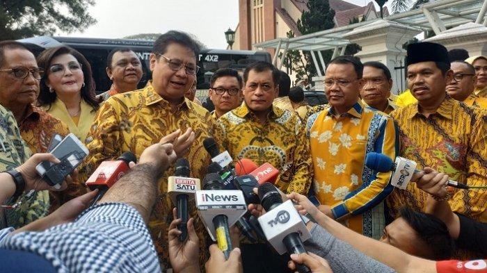 Airlangga Boyong 34 Ketua DPD Golkar Bertemu Jokowi di Istana Bogor