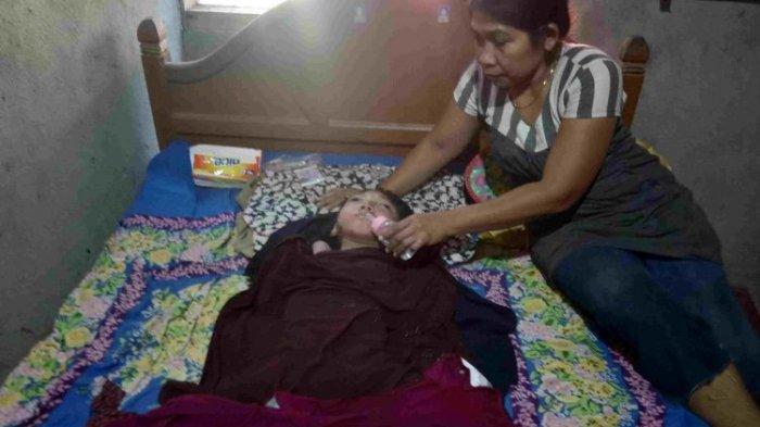 Gadis Ini 15 Tahun Lumpuh, Berawal dari Datang ke Hajatan, Kini Hanya Bisa Makan Bubur Instan