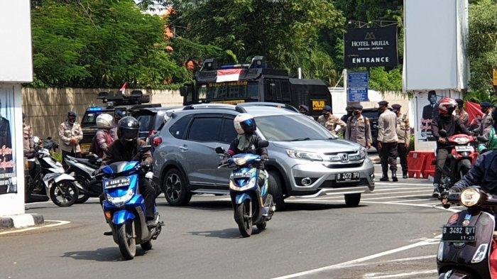 Antisipasi Massa Tolak UU Cipta Kerja, Akses Menuju Gedung DPR Ditutup