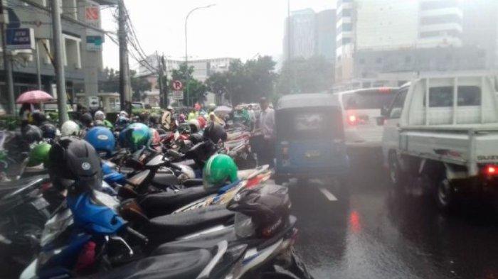 Tugu Tani Jadi Lokasi Parkir Massa Aksi 112