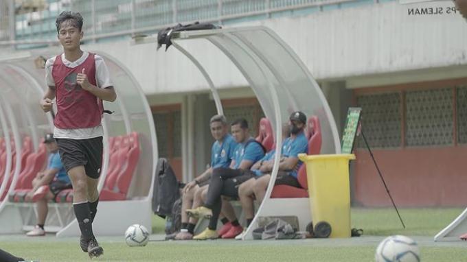Aksi Dimas Juliono Pamungkas bersama Timnas Indonesia U-16