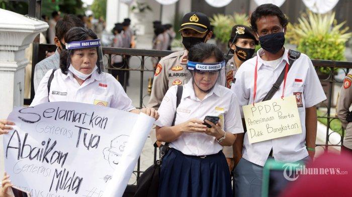 Komisi X: Kisruh Batasan Usia Siswa di PPDB Jakarta Harus Diselesaikan