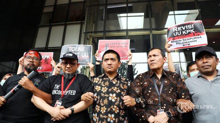 Jokowi Minta Kapolri Idham Aziz Tuntaskan Kasus Novel Baswedan dalam Waktu Sebulan