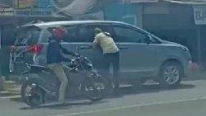 Video Aksi Begal di Depok: Pelaku Pecahkan Kaca Mobil dan Todongkan Senjata Api