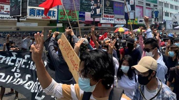 Delapan Pendemo Tewas Dalam Aksi Anti-Kudeta Junta Militer di Seluruh Myanmar