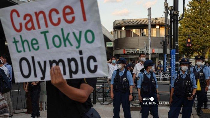 Pembukaan Olimpiade Tokyo 2021 Diwarnai Aksi Protes Warga Jepang di Luar Olympic Stadium