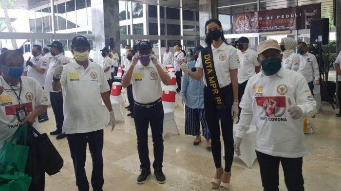 MRP RI Gandeng PWI Pusat dan PWI DKI Jaya Serta Lembaga Lain Bagikan Alat Penunjang Kesehatan