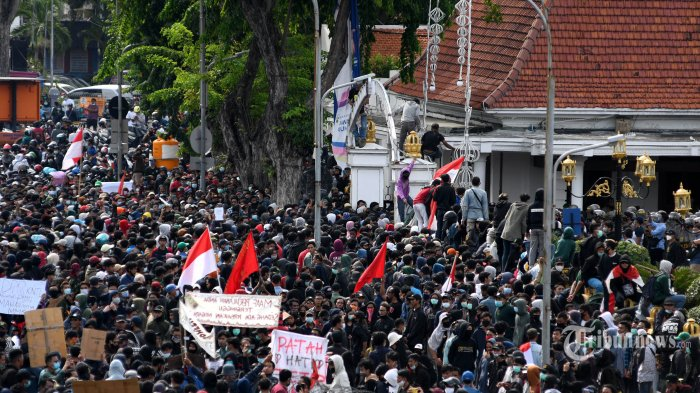 Klaster Unjuk Rasa Mulai Bermunculan:10 Buruh di Semarang dan Ratusan Mahasiswa Positif Corona