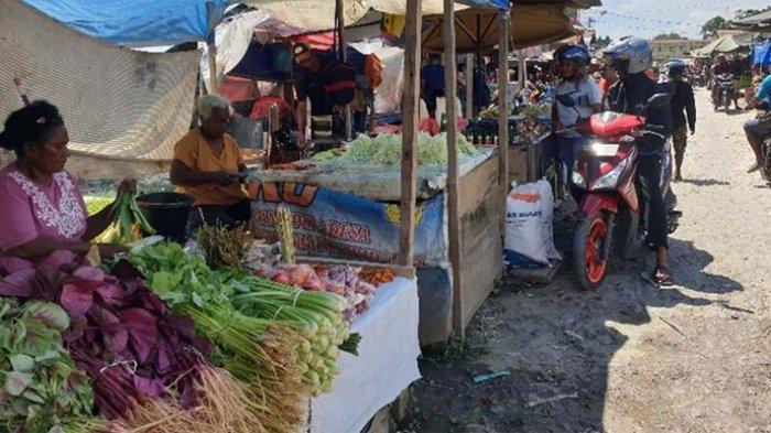 Aktivitas di Pasar Youtefa, Kota Jayapura, Papua, Sabtu (31/08/2019) pagi, mulai berjalan kembali. KOMPAS.COM/DHIAS SUWANDI