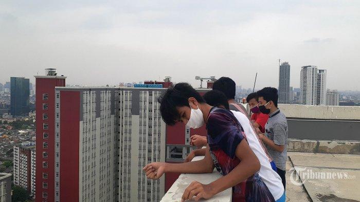 Denyut RS Darurat Covid-19 Wisma Atlet Jakarta (4):Saling Curhat di Rooftop Sambil Berjemur