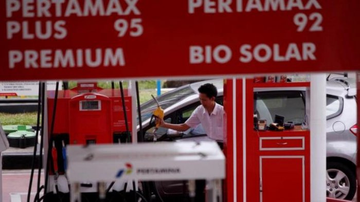 Kenaikan Harga BBM Premium Ditunda, Hendrawan: Koordinasi Pemerintah Harus Lebih Rapi