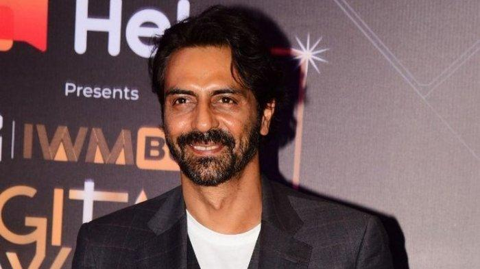 Aktor Bollywood Arjun Rampal menghadiri MTV IWM Buzz Digital Awards di Mumbai, India, pada 12 Novemebr 2019.