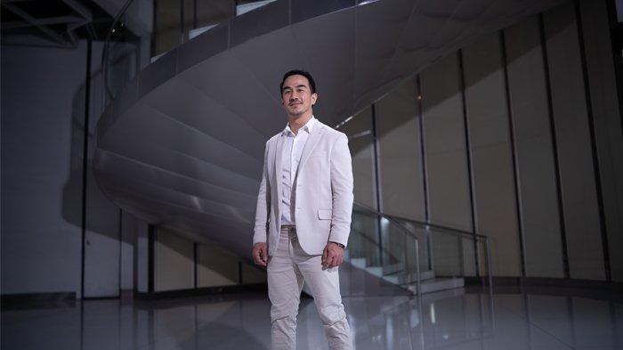 Aktor dan model kenamaan tanah air, Joe Taslim tampil sebagai opening dalam acara peluncuran vivo X60 Series yang dilangsungkan secara virtual, Kamis (8/4/2021).