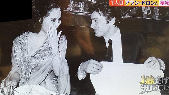 Alain Delon, aktor Prancis penerima Penghargaan César bersama Dewi Soekarno