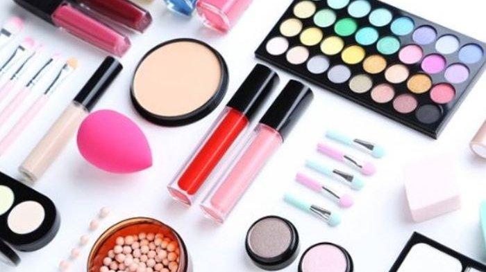 Usia Tepat Kenalkan Make Up dan Skincare pada Anak-anak
